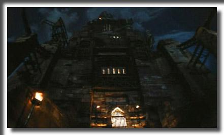 Dracula Castle Movie Dracula-castle-entrance